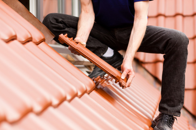 Residential Roof Fall Protection: How To Ensure The Safety Of Your Crew?
